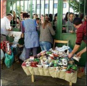Ambulantët në shkolla, nxënësit në Elbasan rrezikojnë çdo ditë shëndetin